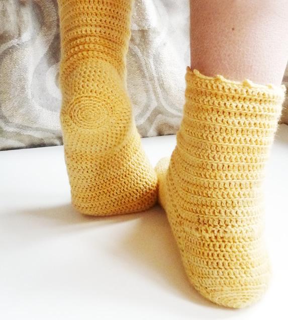 patron de chaussettes fines et faciles au crochet
